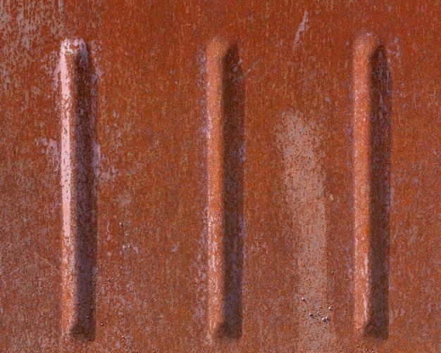 Metal pintado velho vermelho