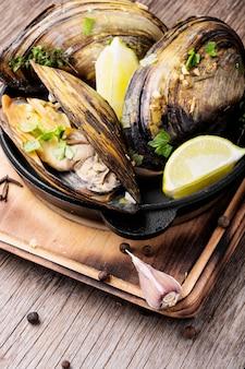 Mexilhões deliciosos frutos do mar