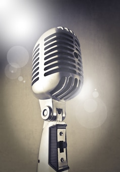 Microfone brilhante clássico