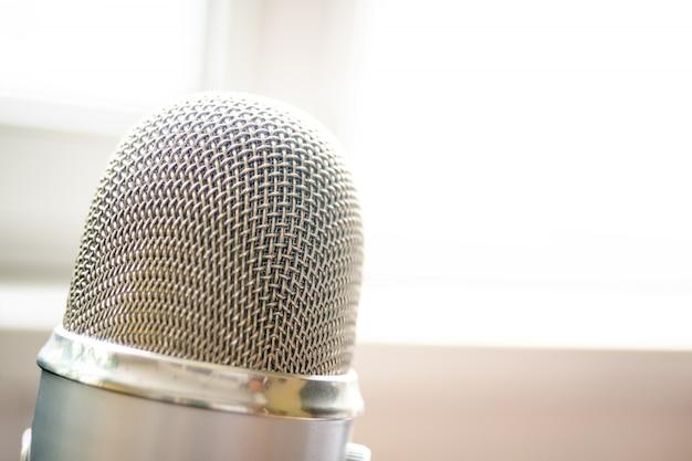 Microfone close-up tiro