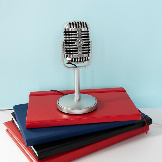 Microfone com fio em notebooks