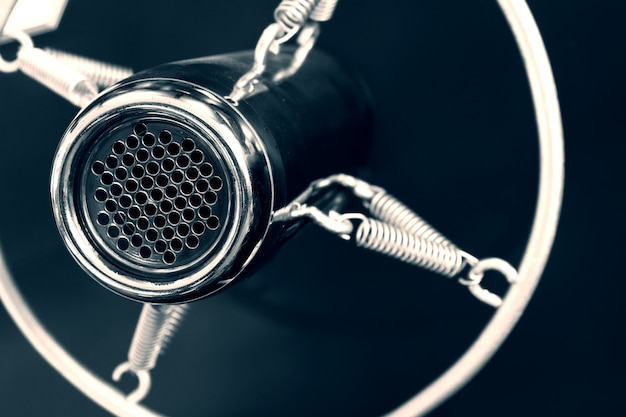 Microfone de voz vintage antigo estúdio redondo