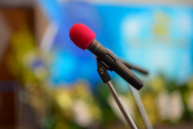 Microfone na conferência da sala de reuniões