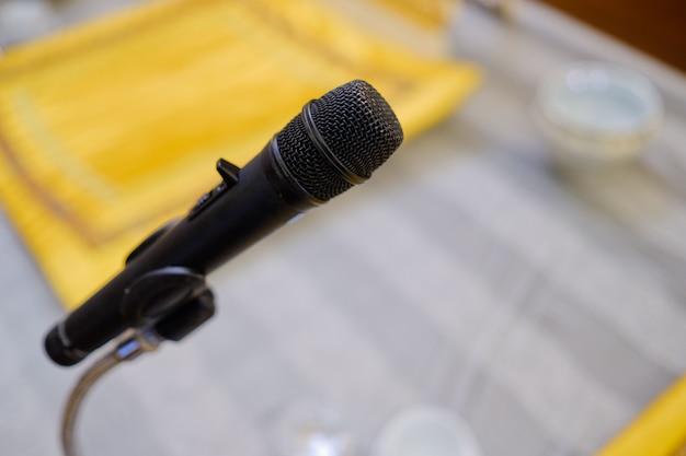 Microfone no palco