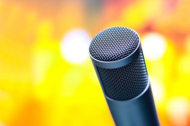 Microfone para gravação de voz no estúdio.
