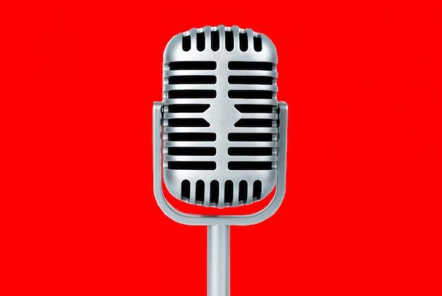Microfone retrô em fundo vermelho