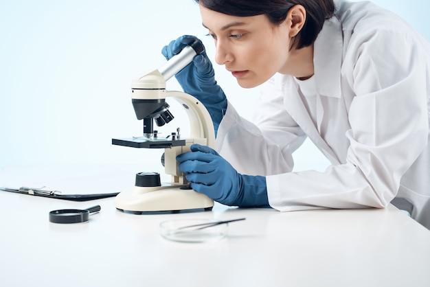 Microscópio pesquisa biotecnologia medicina ciência