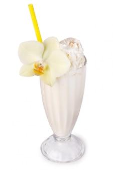 Milk-shake em cima da mesa