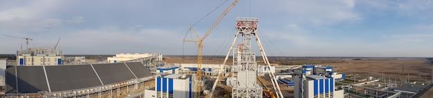 Mineração e planta de processamento. mineração de silvinita. construção. petrikovsky meu. bielo-rússia. panorama.