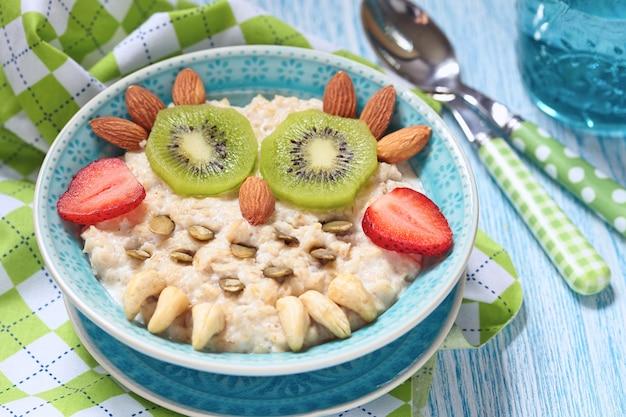 Mingau de café da manhã para crianças
