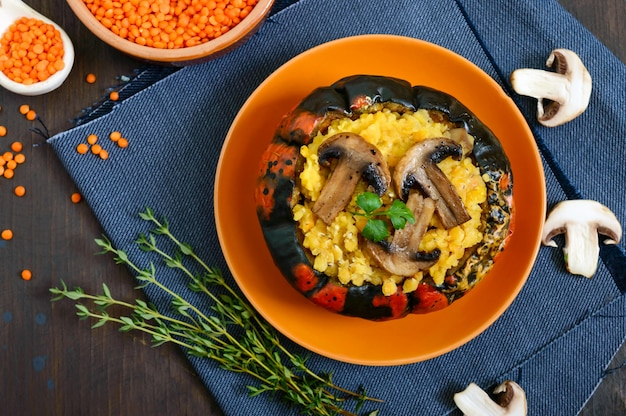 Mingau de lentilha com cogumelos
