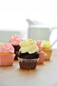 Mini cupcakes em vários sabores com café