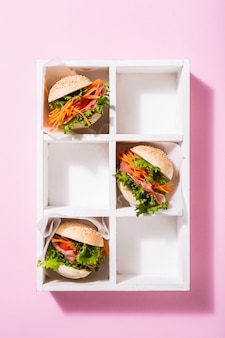 Mini hambúrgueres deliciosos