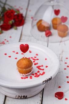Mini muffins. símbolo conceito feriado dia dos namorados.