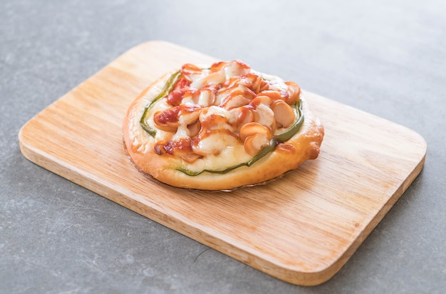 Mini pizza de salsicha