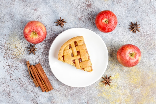 Mini tarte de maçã caseira com canela