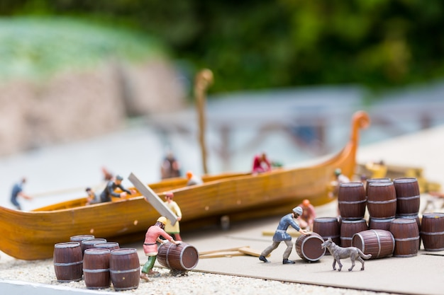 Miniatura de assentamento viking ao ar livre, construtores navais, europa antiga vila europeia, escandinávia medieval, arquitetura tradicional escandinava, diorama