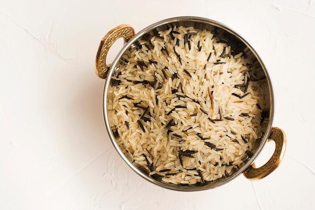 Mistura de arroz selvagem longo branco e preto