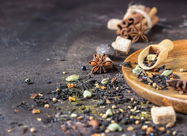 Mistura de especiarias para o indiano masala chai