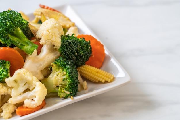 Mistura de legumes salteados