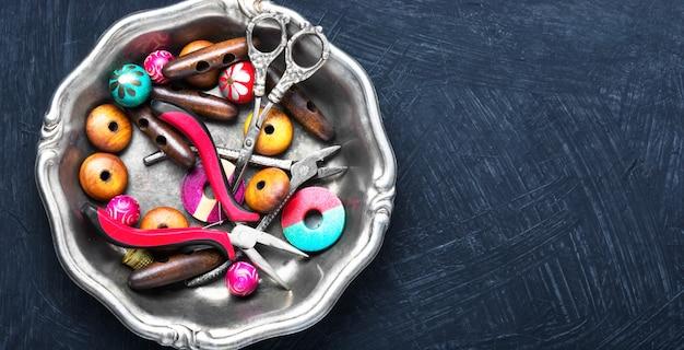 Mistura de miçangas para artesanato
