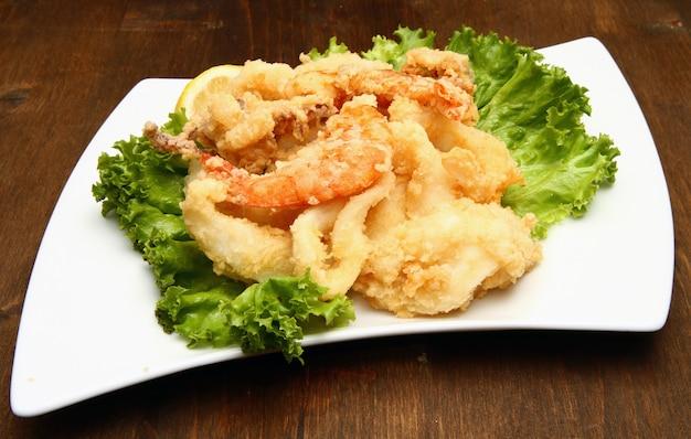 Mistura de peixe frito