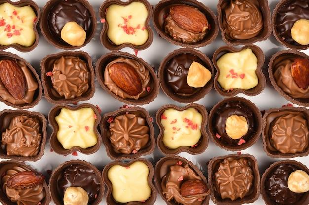 Mistura de saborosa coleção de doces de chocolate.