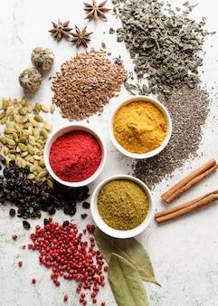 Mistura de sementes orgânicas e alimentos em pó
