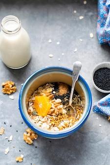 Mistura de sementes saudáveis com tangerina