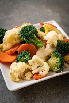 Mistura de vegetais fritos