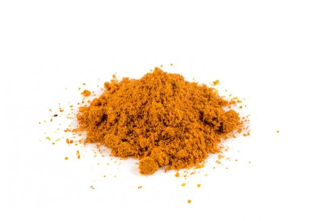Mistura em pó de tempero de laranja isolada no fundo branco