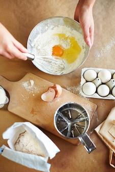 Misturando os ingredientes todos juntos