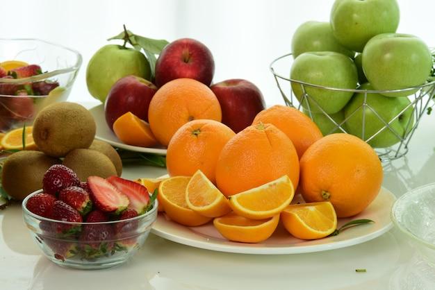 Misture frutas frutas frescas close-up. alimentação saudável, conceito de dieta