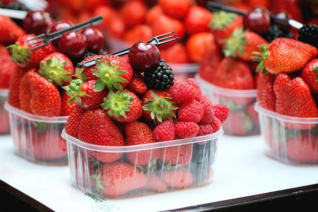 Misture frutos maduros