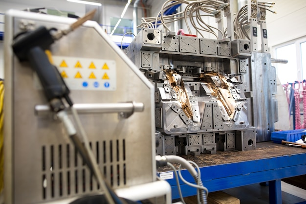 Moagem de molde de metal industrial, usinagem de metais