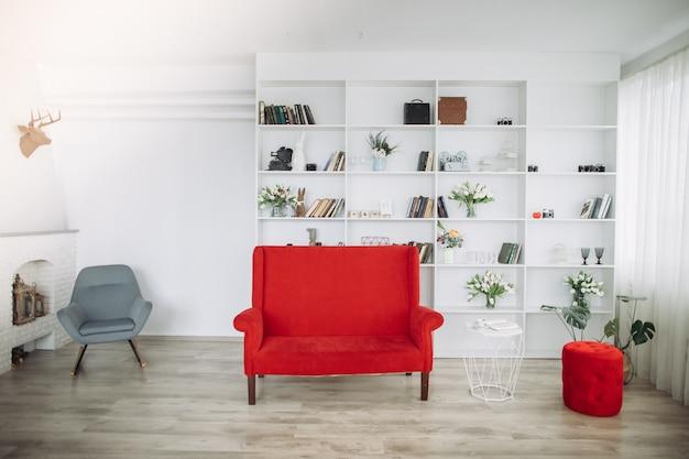 Mobília moderna na sala de estar