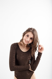 Moça com roupa interior preta