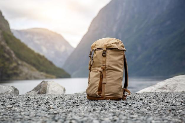 Mochila para turistas. fiordes de norvegian