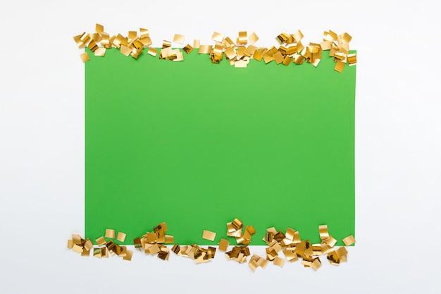 Mock-se com papel verde e glitter dourado