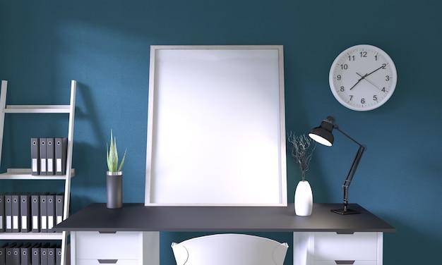 Mock-se quadro de cartaz no escritório de mesa superior preto e decoração na parede do quarto azul escuro no chão de madeira branco