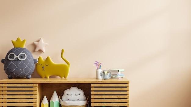 Mock up de uma parede em um quarto de criança com um pano de fundo em tom creme claro, renderização em 3d