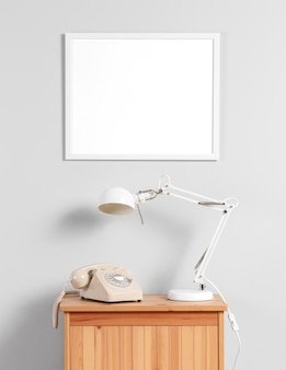 Mock up frame na parede acima do gabinete