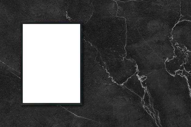 Mock up quadro de imagem do poster em branco pendurado na parede de mármore preto no quarto - pode ser usado maquete para exibir produtos de montagem e layout visual de design de design.