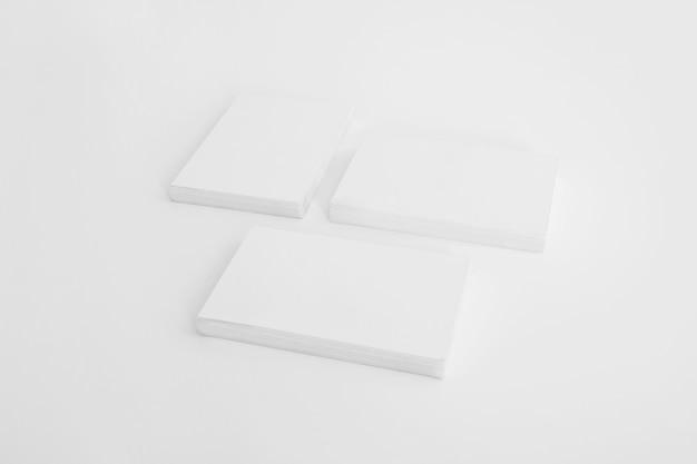Mockup de três pilhas de cartão de visita