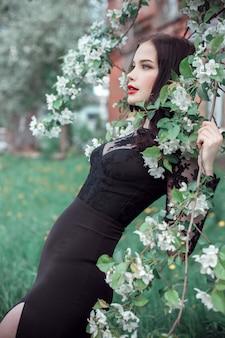 Moda, arte, mulher, em, verão, florescer, macieira