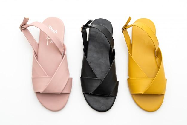 Moda feminina e mulher sandálias de couro com slingback