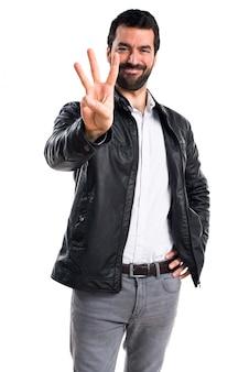 Moda gesticulando barba branca homem
