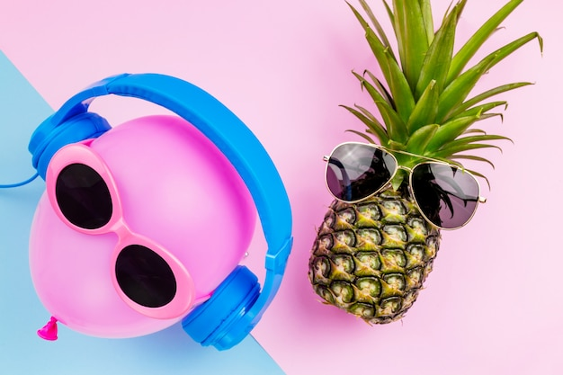 Moda hipster abacaxi e rosa balão de ar.