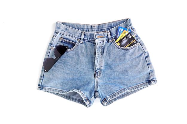 Moda jeans curta para mulheres