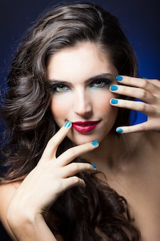 Moda maquiagem rosto compõem seta